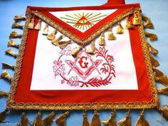 The Red Pyramid (The Kane Chronicles, Book Masonic Art, Masonic Lodge, Masonic Symbols, Illuminati Secrets, Freemason Symbol, Red Pyramid, Occult Art, Freemasonry, Aprons
