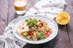 Papu-fetasalaatti on mainio lounassalaatti. Tämä on myös kelpo tarjottava illanistujaisten tai juhlien salaattipöydässä. Voit lisätä halutessasi joukkoon paistettua broileria tai tofua. Couscous, Tofu, Cobb Salad