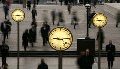 """Temps de travail: à quoi ressemblent les semaines des Français? Une étude publiée par la Dares s'intéresse aux rythmes de travail en France. Hausse de l'activité le week-end, horaires de plus en plus imprévisibles... la semaine """"classique"""" de 35 ou 39 heures n'est pas le lot de la plupart des actifs. En savoir plus sur http://www.lexpress.fr/emploi/gestion-carriere/temps-de-travail-a-quoi-ressemblent-les-semaines-des-francais_1536045.html#FllMhyBZBJg3ekHP.99"""