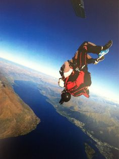 Twitter / KailyKNash: Casual morning workout #skydive ...