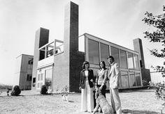 Louis Kahn / Korman House,  Fort Washington, Pennsylvania (1971–1973) / Photo via kahnkormanhouse.com Facade Architecture, School Architecture, Contemporary Architecture, Louis Kahn, Bauhaus, Esherick House, 1970s House, Fort Washington, Arch House