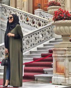 @Sarahbeauty19 Pinterest: @adarkurdish Girl Hijab, Caftans, Hijab Fashion, Put On, Beautiful Outfits, Muslim, My Girl, How To Wear, Clothes