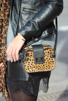 Miss trendy Barcelona: Leopard in the city