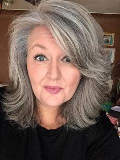 Blonde Hair Going Grey, Grey White Hair, Long Gray Hair, Low Lights Hair, Light Hair, Grey Hair Lowlights, Grey Hair Care, Grey Hair Inspiration, Haircuts