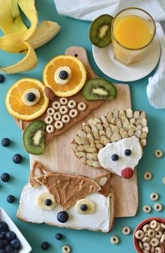 4 Easy Tips to Make Healthy Eating Fun for Kids * Check out simple recipes for healthy kids snacks and food play activit Food Art For Kids, Cooking With Kids, Easy Cooking, Healthy Cooking, Toddler Meals, Kids Meals, Low Carb Breakfast, Breakfast Recipes, Breakfast Pancakes
