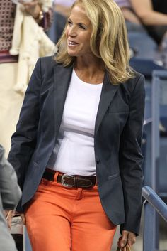 Katie Couric Photos Photos: Katie Couric and John Molner at the US Open Classic Style, Cool Style, My Style, Classic Fashion, Teacher Wardrobe, Katie Couric, Stitch Fix Stylist, Style Challenge, Celebrity Look
