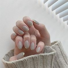 ネイル ネイル in 2019 Minimalist Nails, Cute Nails, Pretty Nails, Belle Nails, Korean Nail Art, Nagellack Trends, Nail Jewelry, Gray Nails, Summer Acrylic Nails
