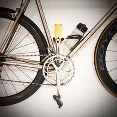 Cycle wall mount