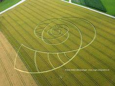 El círculo del 21 de Diciembre de 2012 y otras maravillas Siempre estamos comentando los significados de los misteriosos círculos de ...
