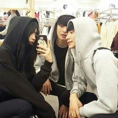 Discovered by dandeloin. Find images and videos about korean, asian and ulzzang on We Heart It - the app to get lost in what you love.