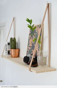 New Room Decor Bedroom Diy Shelves Ideas Easy Home Decor, Cheap Home Decor, Diy Wall Decor For Bedroom Easy, Leather Strap Shelves, Leather Belts, Diy Casa, Home And Deco, Decor Room, Room Decor Diy For Teens