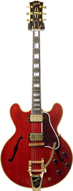 Get yourself the Gibson ES-355 Sixties Cherry Bigsby VOS (2016) from the UK's Largest Guitar Store. Buy today and get this Gibson with Free Delivery.