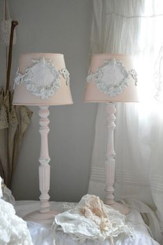 1000 images about abat jour pieds de lampe lampshade shabby chic on pinterest lampshades. Black Bedroom Furniture Sets. Home Design Ideas