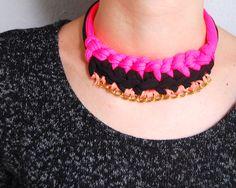Tutorial paso a paso para hacer collar de trapillo, con técnica de cadeneta >> DIY trapillo necklace