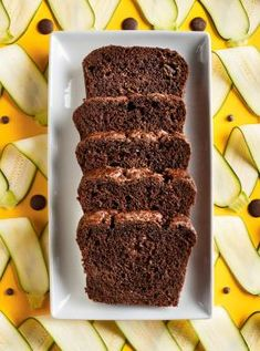 Zucchini Bread Zucchini definitely adds moistness to this dessert loaf recipe.Zucchini definitely adds moistness to this dessert loaf recipe. Dessert Ricardo, Bon Dessert, Dessert Bread, Dessert Recipes, Savory Zucchini Bread, Chocolate Zucchini Bread, Recipe Zucchini, Ricardo Recipe, Loaf Recipes