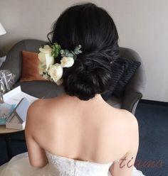 黒髪美人の花嫁さま♡ヘアードでイメージチェンジなホテル婚   大人可愛いブライダルヘアメイク 『tiamo』 の結婚カタログ