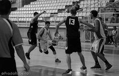 #JoseLuisGonzalez e #IñigoRemon viven una situación compleja. Son jugadores del #AdeccoPlata con ficha en el #EBA. Pero en el Plata apenas gozan de minutos. Quizás tengan que reconvertir sus aspiraciones para crecer desde EBA y potenciar al equipo de #ToniMartorell. Ante Gandia, González 9 puntos, 6 rebotes, 4 de valoración (26' 29'' en pista); Remón 6 puntos, 9 rebotes, 11 de valoración (20' 23'' en pista). #baloncesto #basket #LigaValenciana #EBA #Lucentum #BasquetGandia #UALucentum