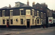 The Locomotive Inn was a Shipstones tied house situated on the corner of Wilford Road and Clyde Street. This pub was demolished in the 1970s. Photo 1970s