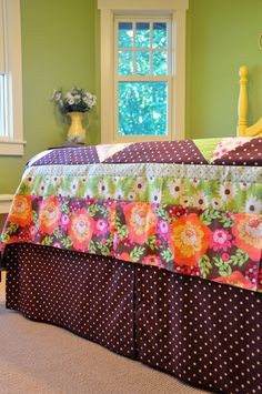 Bed skirt sewing tutorial -- velcros on to the box spring.  This is a fantastic idea!