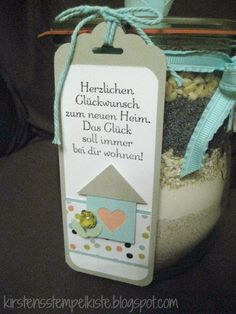 Kirsten Stempelkiste: Brot im Glas zum Einzug You are in the right place about diy gifts for couples Here we offer you the most beautiful pictures about the diy gifts cheap you are looking for. Diy Gifts Cheap, Diy Food Gifts, Diy Gifts For Kids, Presents For Kids, Diy Presents, Best Friend Gifts, Gifts For Friends, Pots, Romantic Gifts