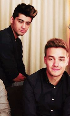 ooh, how Zayn look Liam is so cute!