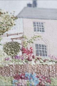 The Embroidered House - Caroline Zoob Free Motion Embroidery, Hand Embroidery Designs, Embroidery Thread, Cross Stitch Embroidery, Embroidery Patterns, Stitch Patterns, Crewel Embroidery, Textiles, Wedding Embroidery