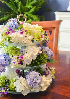 A gorgeous mother's day tea party deserves a gorgeous mother's day centerpiece!