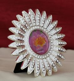 This is the bestOnline Shopping GiftsPortal in Indiawhere you get best ideas for gift shopping. There are numerous gifting ideas where you can choose from manysilver and gold plated items. View the site for best ideas of gift shopping.The divine luxurykeep all the exclusive collections of smalldesigner clocks,platters, dinner sets, antique items, idols at its online shopping portal.