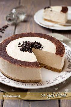 Torta fredda allo yogurt e caffè Coffee Dessert, Coffee Cake, Cheesecake, Blog Patisserie, Cookie Recipes, Dessert Recipes, Torte Cake, Yogurt Cake, Italian Desserts