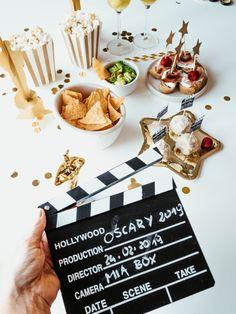 W ciągu roku jest wiele okazji, które można celebrować i wykorzystać do spotkania z najbliższymi. Wbrew pozorom nie są to tylko urodziny, Sylwester, Andrzejki czy święta. Zbliżające się Oscary 2019 to również świetna okazja do zorganizowania imprezy tematycznej. Martini, Guacamole, Hollywood, Box, Snare Drum, Martinis