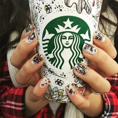 Fall nail inspiration. ☕️ Photo from Instagram user cindyxem