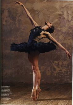 Elena Glurdjidze ballerina / Image from Harper's Bazaar (Spain) December 2010, photo by Markn