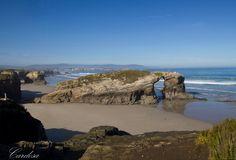 Vista en la playa de las catedrales (Ribadeo-Lugo-Galicia)
