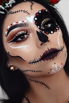Halloween – Make-up Schminke und Co. – stephanie Halloween – Make-up Schminke und Co. Halloween – Make-up Schminke und Co. Halloween Makeup Sugar Skull, Creepy Halloween Makeup, Creepy Makeup, Sugar Skull Makeup, Halloween Looks, Girl Halloween, Voodoo Makeup, Pretty Halloween Costumes, Halloween 2018