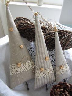 Weihnachtsdeko - Drei Bäumchen im Landhaus - Stil - ein Designerstück von Feinerlei bei DaWanda (Diy Ornaments Sewing)
