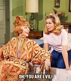 The most bewitching character on Bewitched is the bane of Darrin's existence: Endora. Agnes Moorehead, you are an icon. Agnes Moorehead, Endora Bewitched, Bewitched Tv Show, Hamsters, Bewitched Elizabeth Montgomery, Erin Murphy, Mejores Series Tv, Beautiful Witch, I Love My Daughter