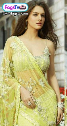 Neha Dalvi Awesome and Beaytiful Picture in Yellow Saree - Fags Tv Video Portal - Funny videos, pictures, Talk shows, online Games, Online Movies and much more