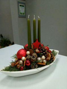 Paper Christmas Decorations, Christmas Food Gifts, Christmas Flowers, Christmas Candles, Christmas Centerpieces, Christmas Wreaths, Christmas Crafts, Christmas Floral Arrangements, Deco Floral