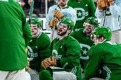Stars Hockey, Hockey Mom, Field Hockey, Ice Hockey, Flyers Hockey, Hockey Games, Hockey Players, Patrick Kane Hockey, Hockey Boards