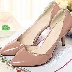 Classic mid heel nude color shoes