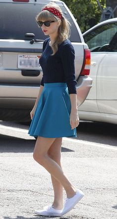 Celeb Skirt and Sneakers | Taylor Swift photoshoot FASH OFF: Girly denim vs. pretty and preppy vs ...