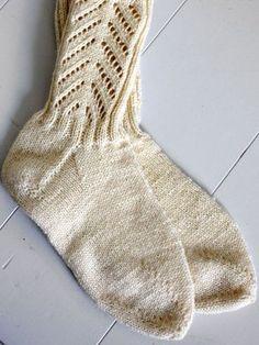 Neulotut pitsisukat Novita Nalle | Novita knits Knitting Socks, Design, Knits, Yarns, Image, Fashion, Knitting And Crocheting, Knit Socks, Moda