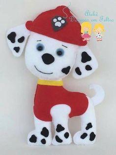 Marshall Patrulha canina em feltro com molde. Sewing Stuffed Animals, Stuffed Toys Patterns, Christmas Ornament Crafts, Felt Ornaments, Fireman Quilt, Paw Patrol Characters, Paw Patrol Party, Felt Quiet Books, Felt Dogs