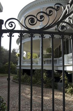 Charleston, SC knows how to do the southern porch!