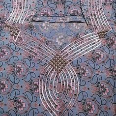 Churidar Neck Designs, Abaya Designs, Gold Flower Girl Dresses, Girls Dresses, Evening Gowns Couture, Mother Daughter Fashion, Embroidery Neck Designs, Neck Designs For Suits, Blouse Models