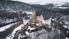 Castle vibes. by Johannes Hulsch #xemtvhay