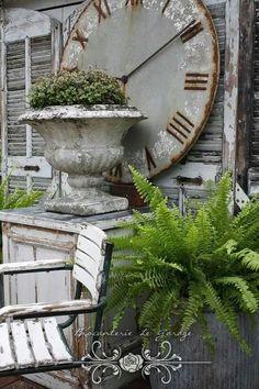 huge urn and clock Outdoor Spaces, Outdoor Living, Outdoor Decor, Outdoor Clock, Garden Urns, Beautiful Gardens, House Beautiful, Garden Styles, Country Style