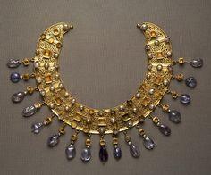 Crescent Necklace - Gold, pearls, aquamarine 6th century AD. Egypt. © Foto: Antikensammlung der Staatlichen Museen zu Berlin - Preußischer Kulturbesitz