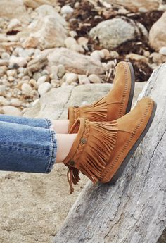 Step into spring with the versatile, cute and comfortable Hi Top Back Zip Boot.