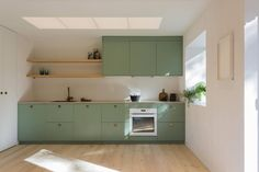 COLOR Wooden modern home is Finnish simplicity at its best - Curbedclockmenumore-arrownoyes : Modern meets cozy Home Kitchens, Kitchen Remodel, Kitchen Design, Kitchen Cabinet Trends, Modern Kitchen, Home Decor Kitchen, Kitchen Interior, Rustic Kitchen Cabinets, Kitchen Cabinets